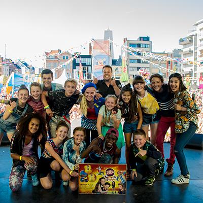 Gouden plaat voor de cast van Kadanza Together!