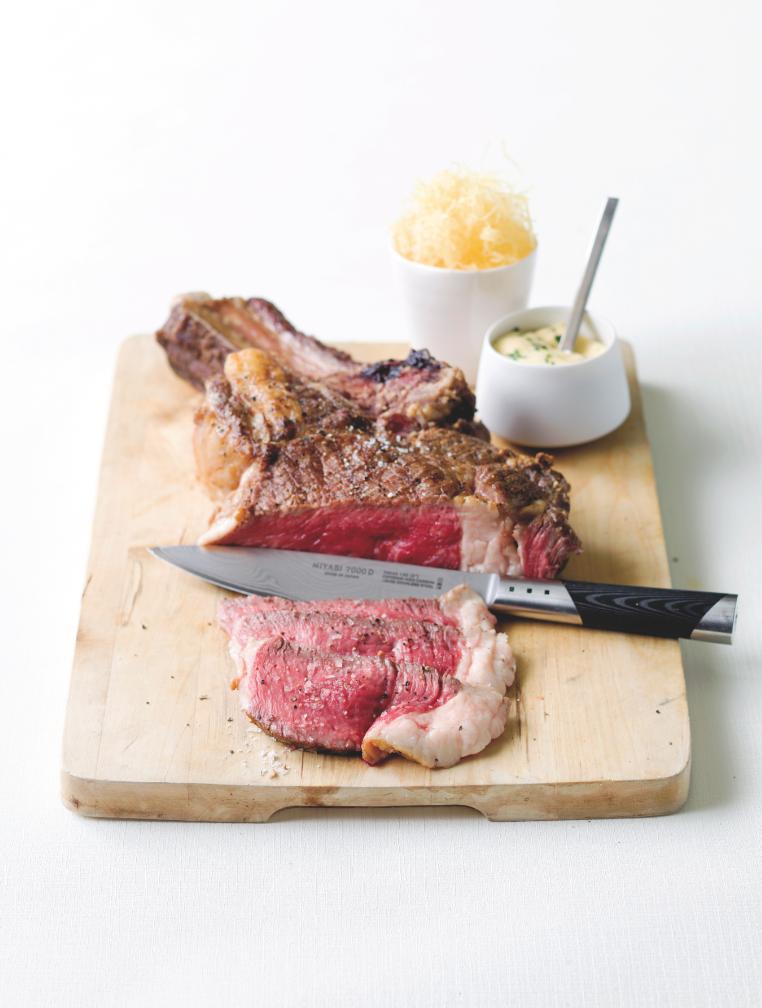 Steak bearnaise met stro-aardappelen