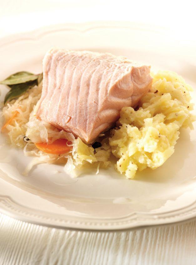 Verse zuurkool met zalm en aardappelpuree