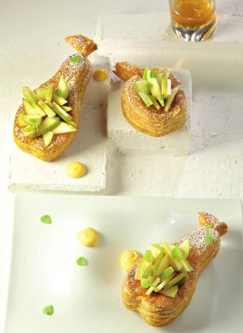 Bladerdeegtaartje met appelen en peren