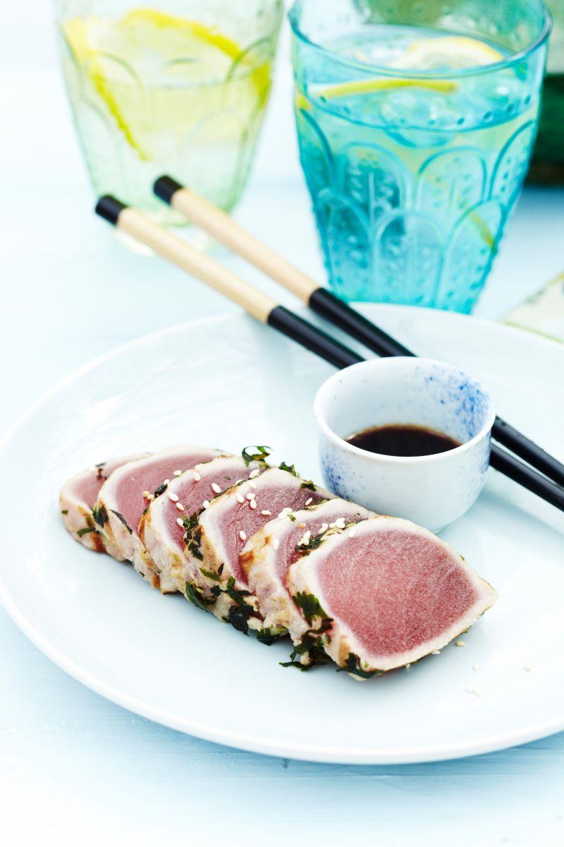 Tataki van tonijn met kruiden en sojavinaigrette