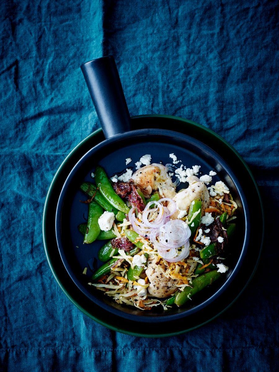 Salade met kip en sugarsnaps