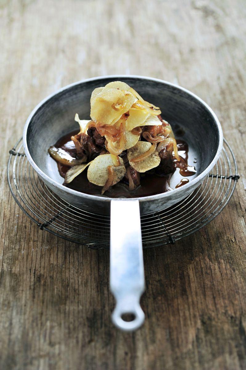 Stoofvlees van lam met chipsaardappelen
