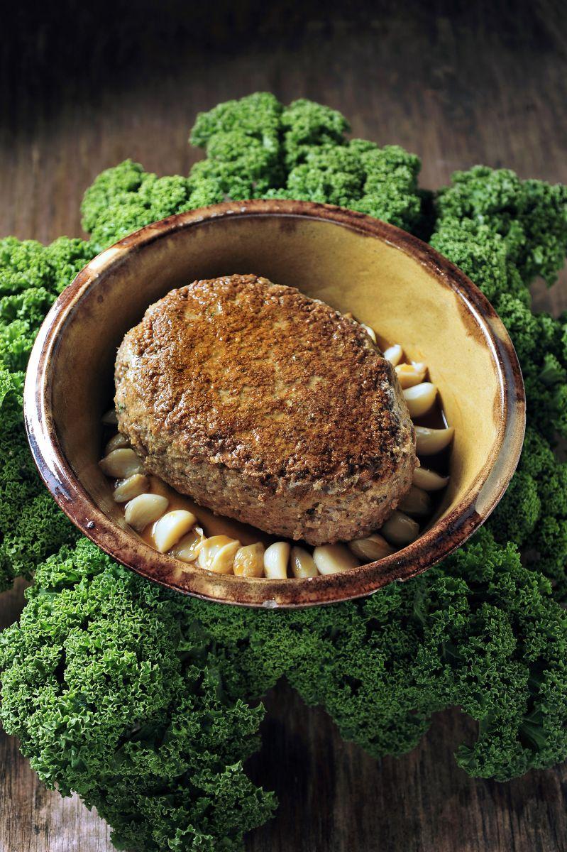 Lamsbrood met gekonfijte knoflook