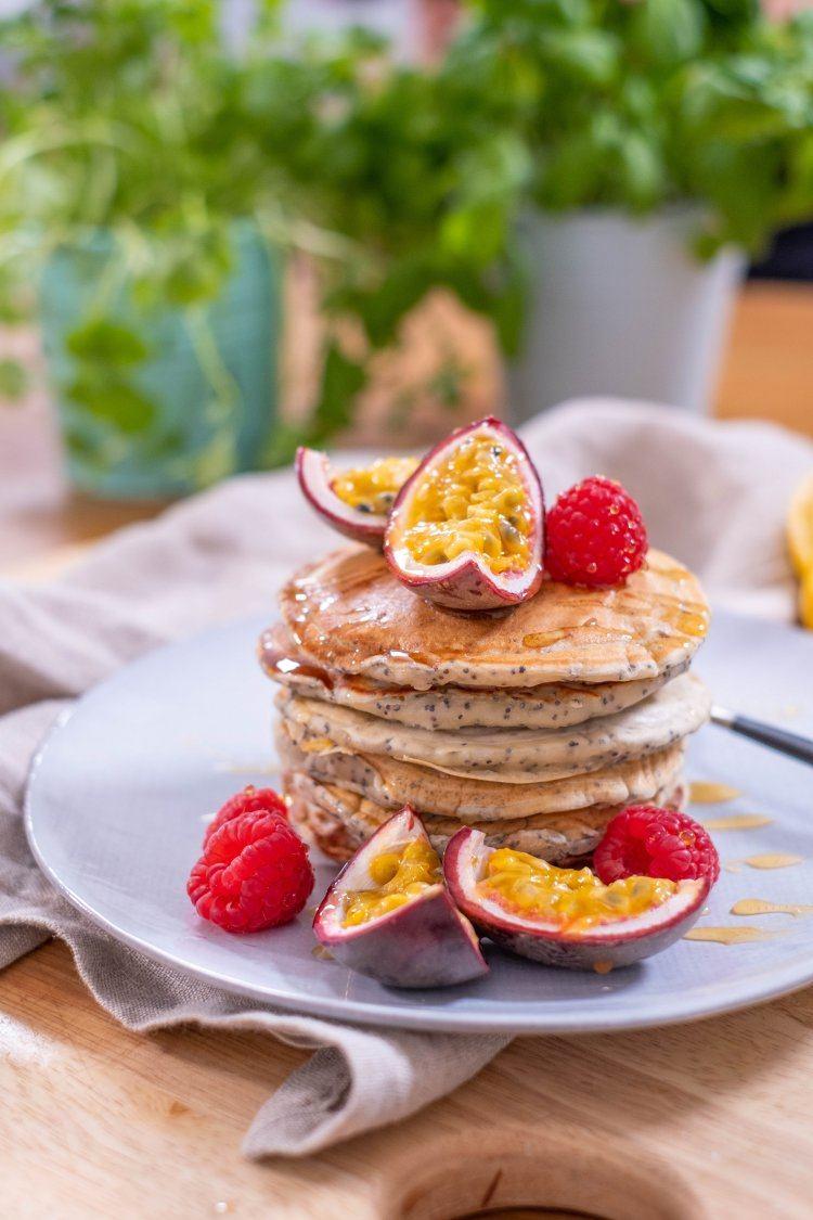 Pancakes met citroen en maanzaadjes