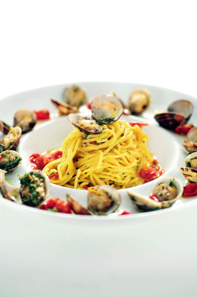 Spaghetti met venusschelpen en bottarga