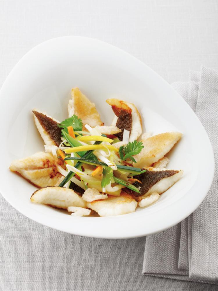 Groenten in de wok met tongschar