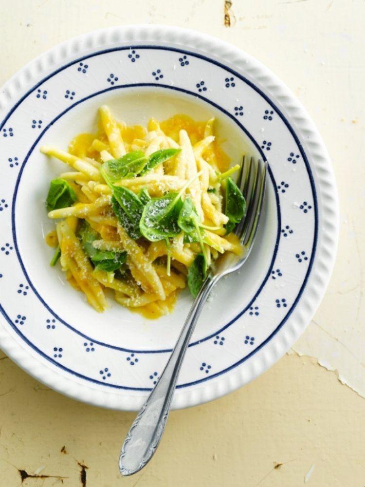 Pasta met spinazie en pompoensaus