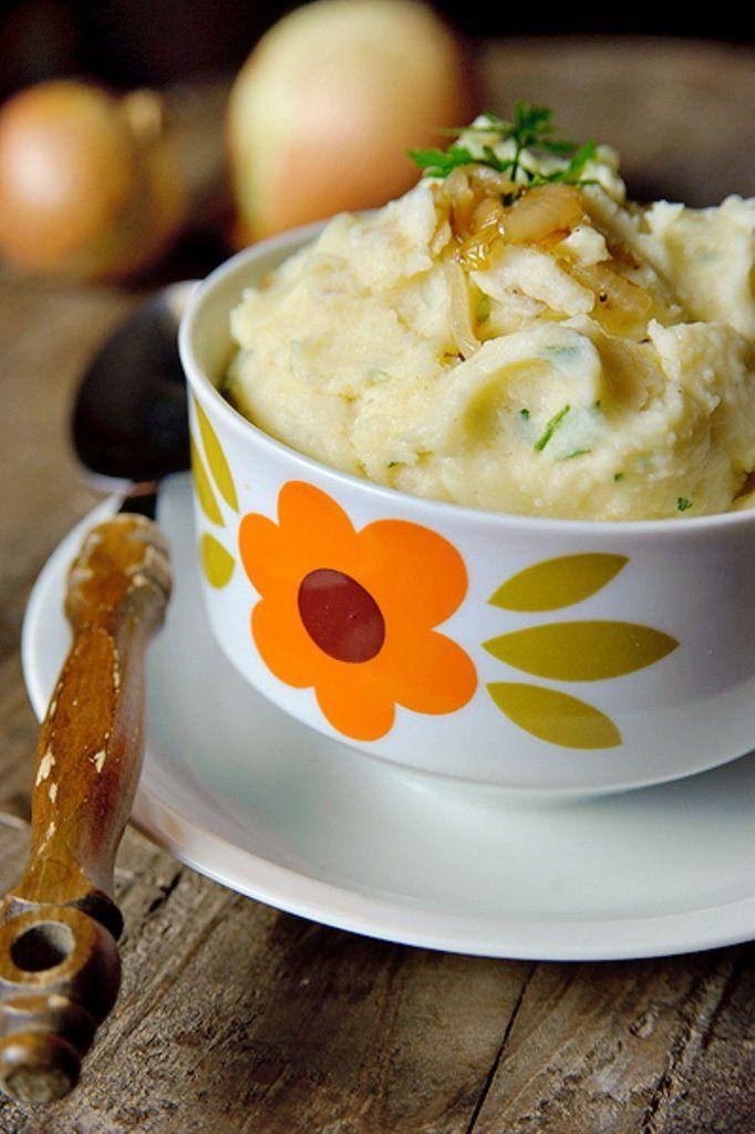 Aardappelpuree met gekarameliseerde uien