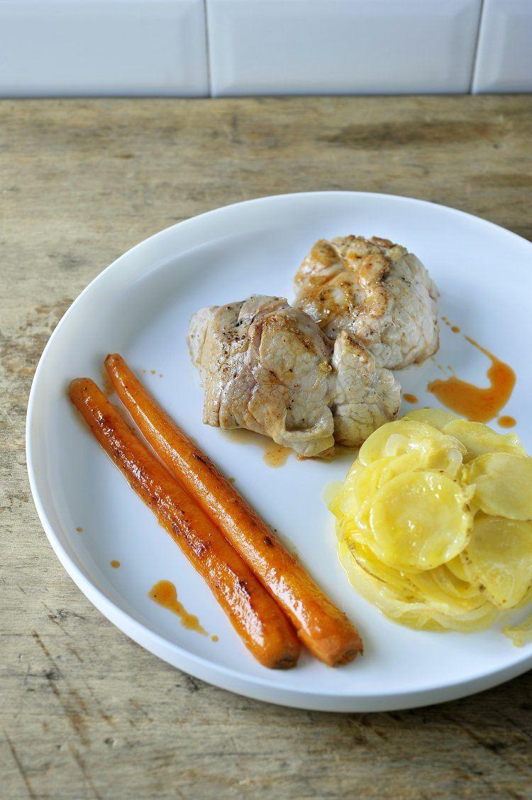 Kalfszwezeriken met wortels en aardappelschijfjes