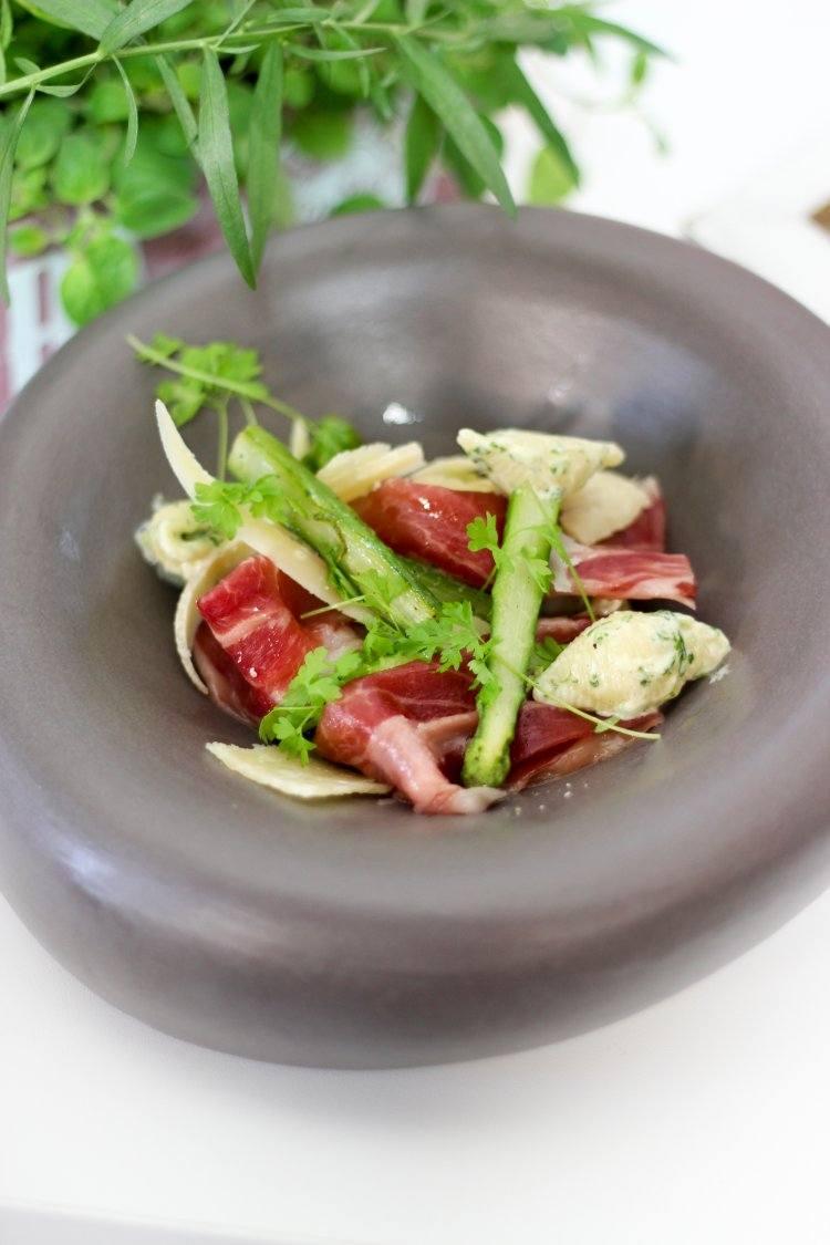 Pastaschelpen met ibericoham en groene asperges