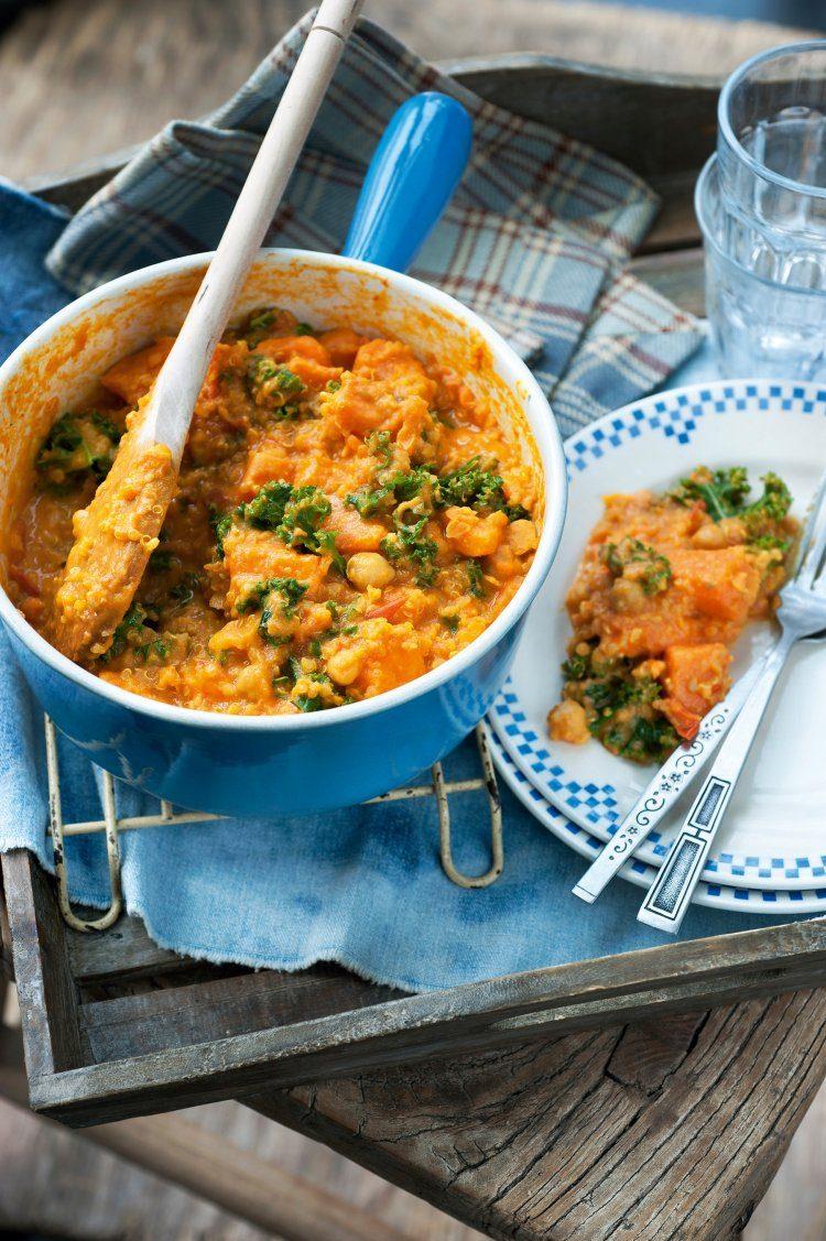 Currystoofpotje van kikkererwten, zoete aardappel en boerenkool