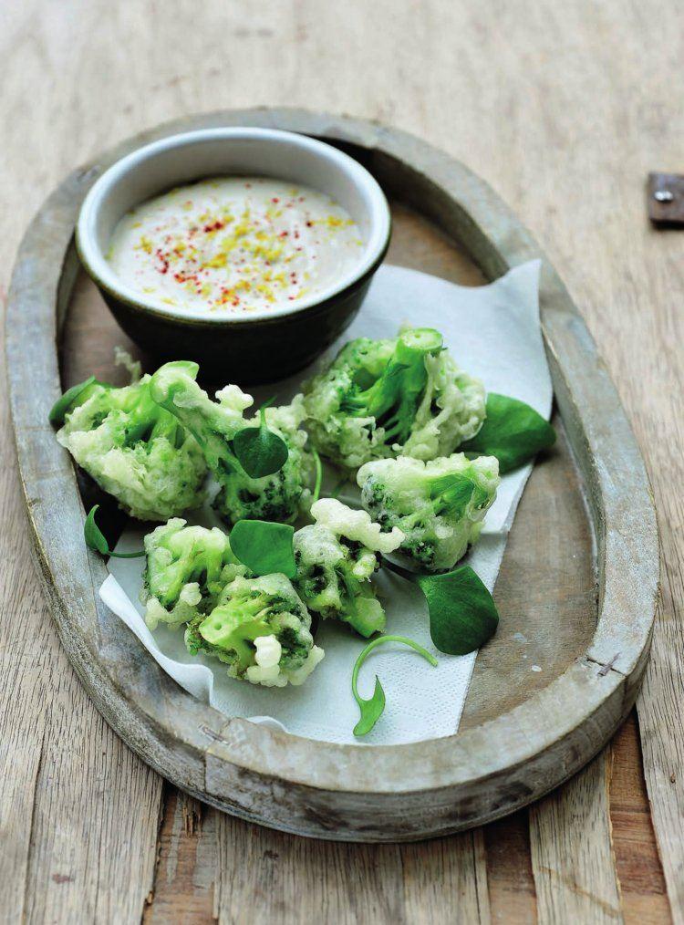 Tempura van broccoli met citroen/cashewdip