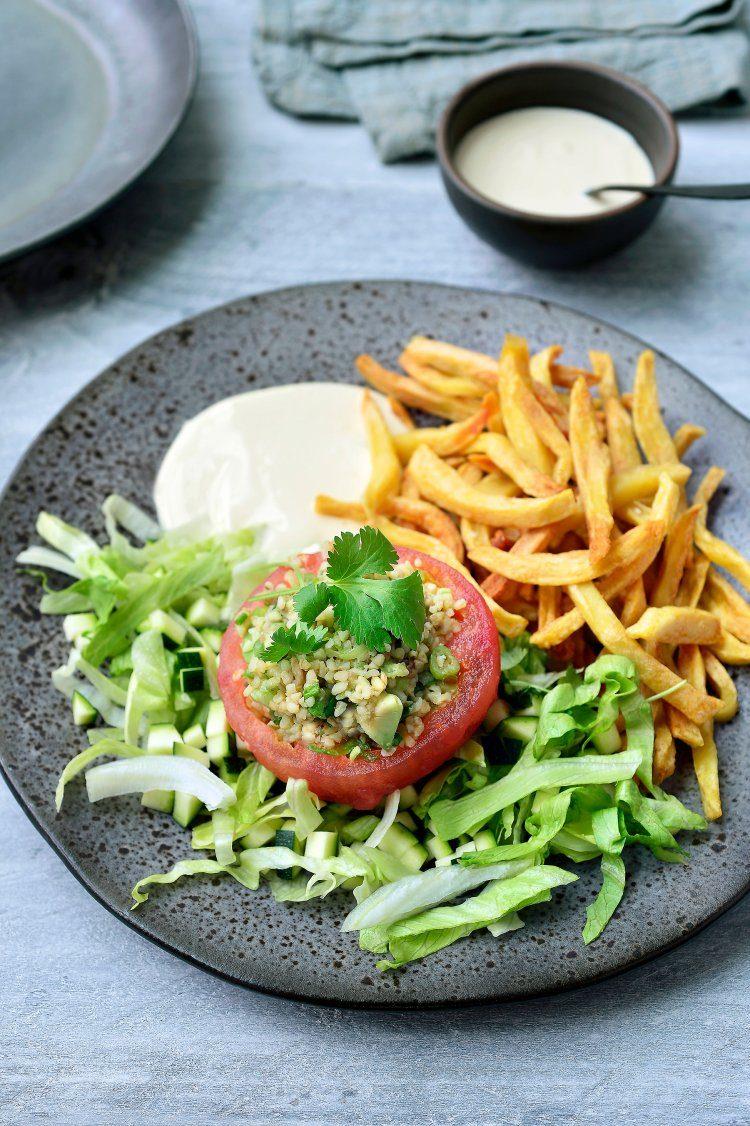 Gevulde tomaat met frietjes