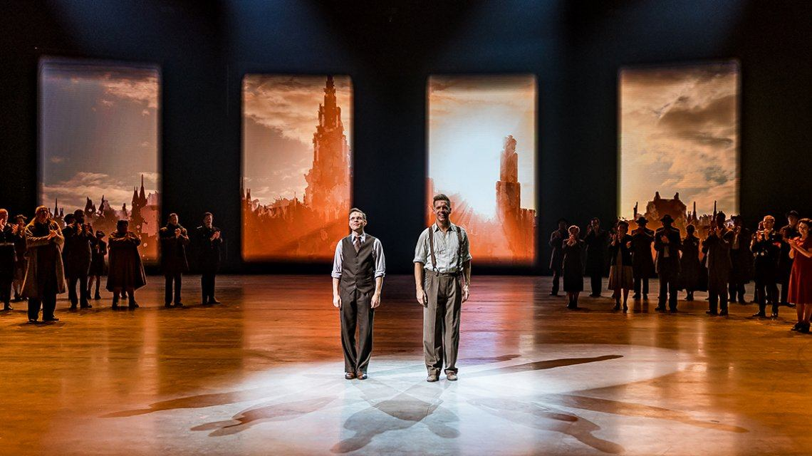 James Cooke maakt debuut als Louis in spektakel-musical 40-45!